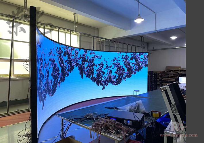 湖南弧形LED显示屏 柔性显示屏模组