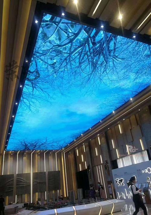 LED天幕显示屏营造长沙商业气氛 2020年商场天幕LED大屏