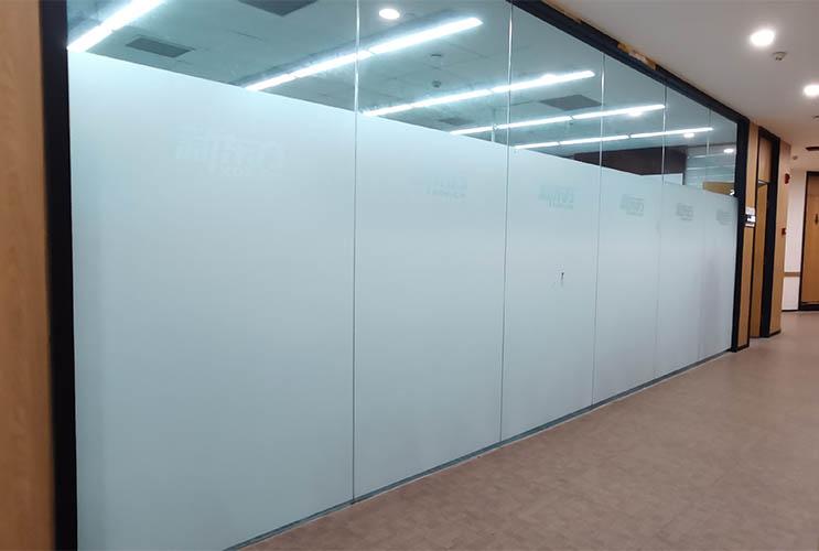 培训学校玻璃贴膜 磨砂玻璃贴 UV玻璃贴膜 长沙广告贴膜